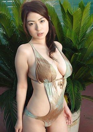 Nude Asian Bikini