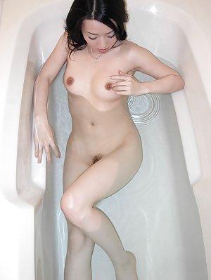 Nude Asian in Bath